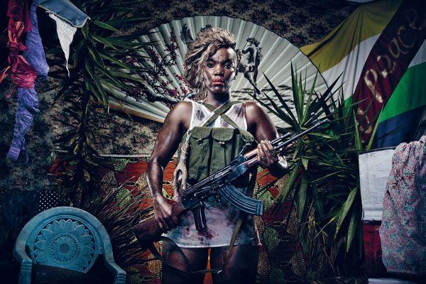 "Kudzanai Chiurai (Zimbabwe, Afrique du Sud), ""Revelations V"", 2011, encre ultrachrome sur papier photo Innova."