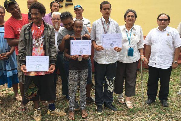 Houailou : trois élèves récompensés par le prix de la sportivité