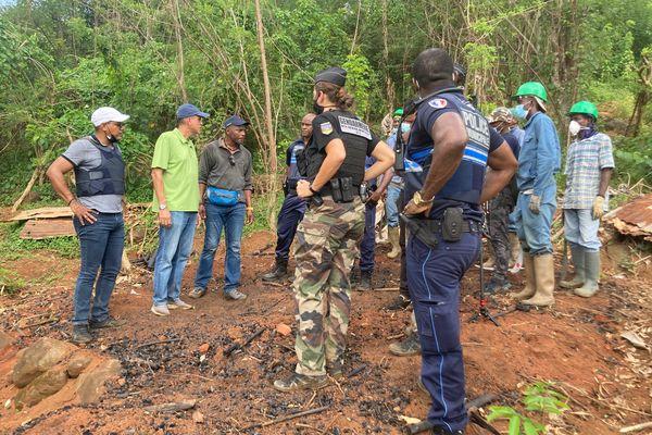 Opération contre la déforestation à Rémire-Montjoly