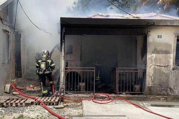 Incendie maison gros plan