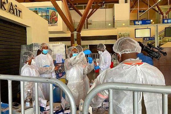 Tests à l'aéroport de Pamandzi