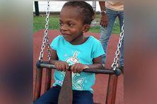La jeune Faith, 3 ans, originaire de Saint-Vincent et les grenadines, le lendemain de son opération