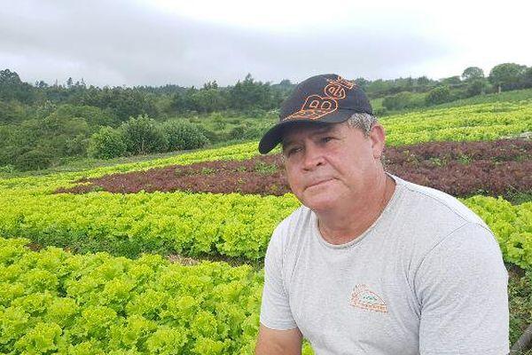 Jean-Pierre Delnard agriculteur à Bois de Nèfles Saint-Paul