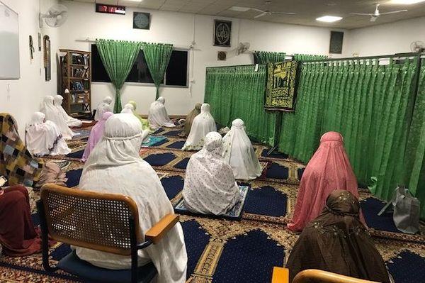 Coronavirus, prière de ramadan à la mosquée de Nouméa, avec aménagements, 25 avril 2020