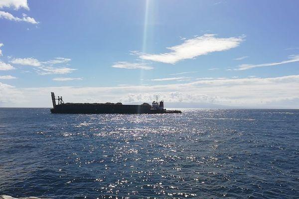 départ barge Kukui