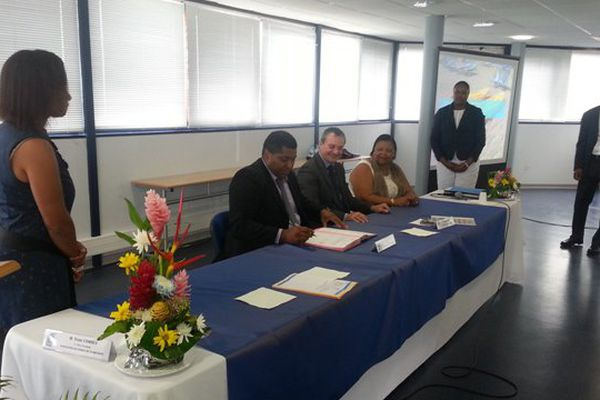 Signature des convention PEDT