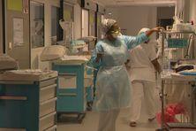 Personnel à l'hôpital Pierre Zobda Quitman.