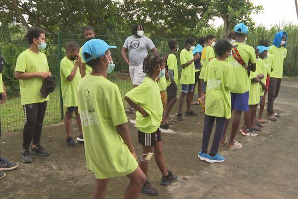 Les jeunes du quartier Sainte Agathe à Macouria