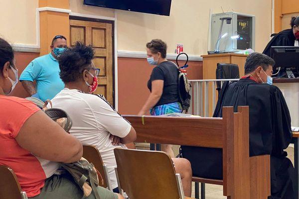 Un professeur accusé de péter et de cracher dans la bouche de ses élèves