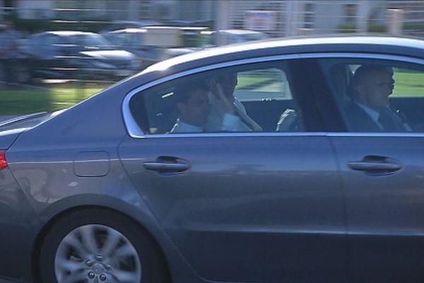 Manuel Valls est arrivé à La Réunion