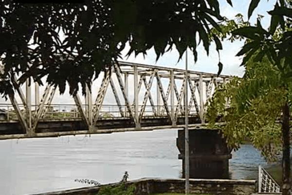 Pont Sinnamary