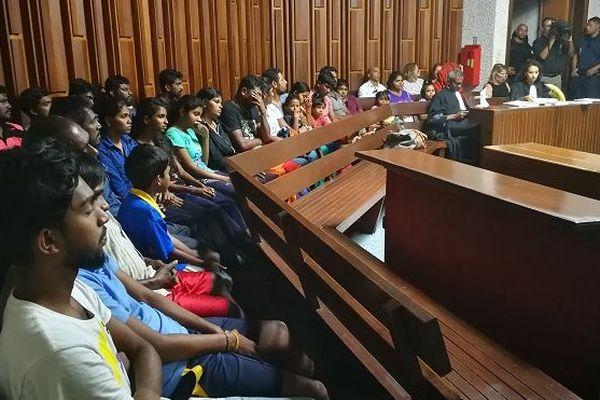 Les migrants sri-lankais devant le juge des libertés et de la détention au tribunal de Champ-Fleuri.