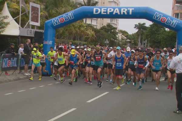 Le départ du marathon et du semi à 7 heures dimanche.