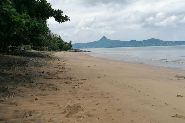 Mtsanyunyi (Tahiti Plage)