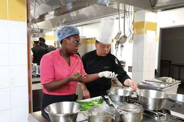 Apprenti et cuisinier Chinois de Chine