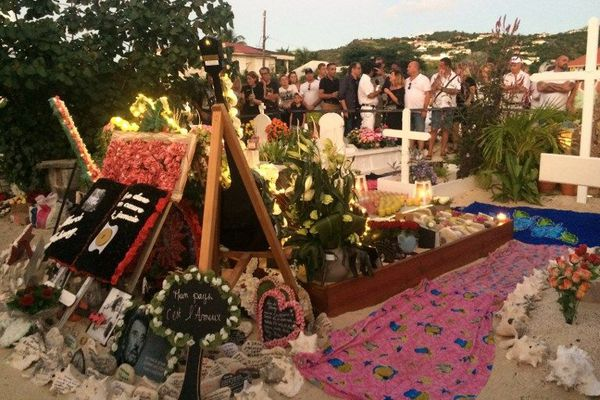 Tombe de Johnny Hallyday à Saint-Barth