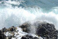 Mer dangereuse sur les côtes de Martinique
