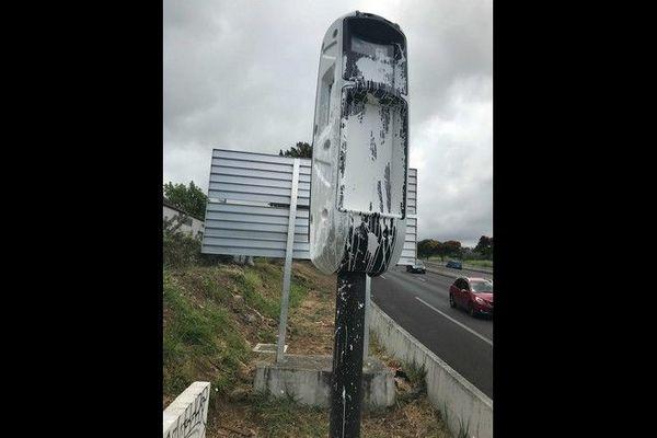radar tourelle 4 voies du Tampon abîmé 081220