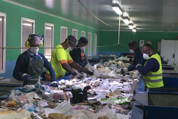 Coronavirus : l'inquiétude des employés des centres de déchets