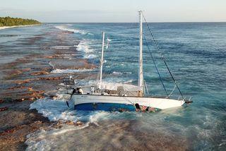 Le voilier américain Respite drossé sur le récif