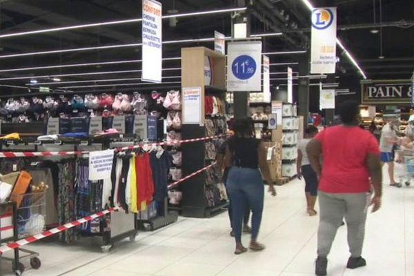 Intérieur magasin Leclerc