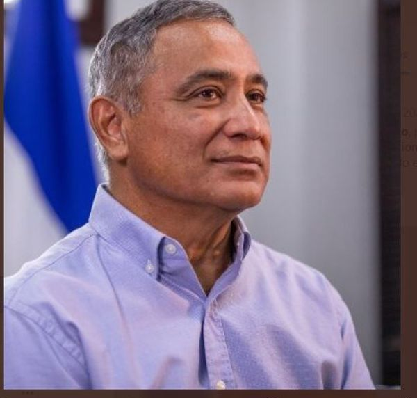 Belize premier ministre, John Briceno