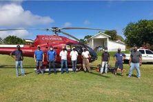 A Saint-Vincent et les Grenadines, les scientifiques ont obtenu les service d'un hélicoptère pour mieux surveiller l'activité volcanique de la Soufrière.