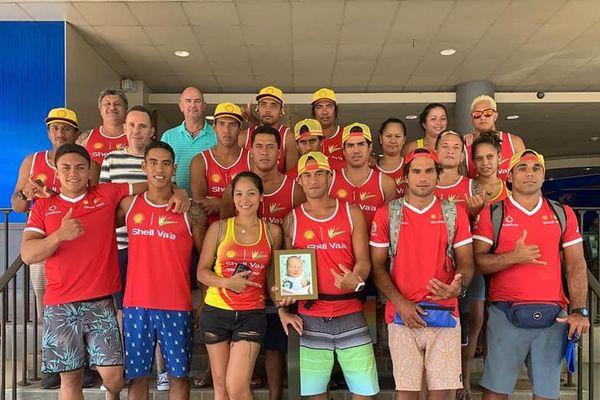 Equipe Shell Va'a hommage Hoane