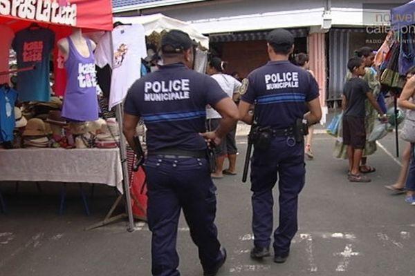La police municipale au marché