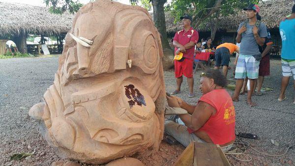 sculpteur Nuku Hiva