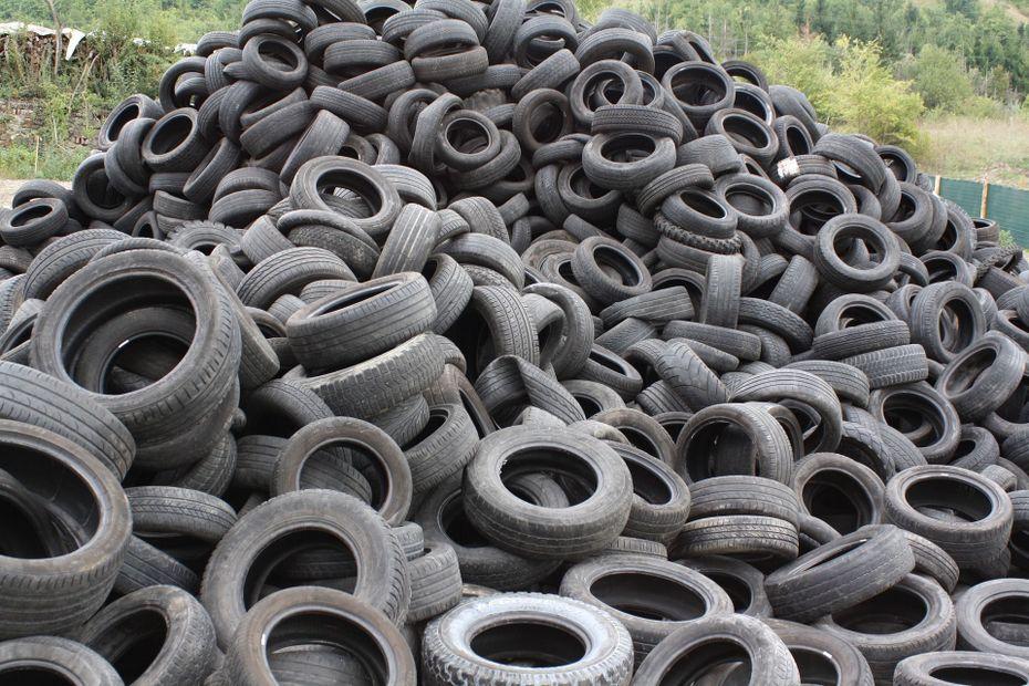 Cuba : Faute de carburant, les pneus usés brûlés pour produire de l'énergie - Guadeloupe la 1ère