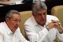 Raul Castro ancien président de Cuba avec son successeur Miguel Diaz-Canel