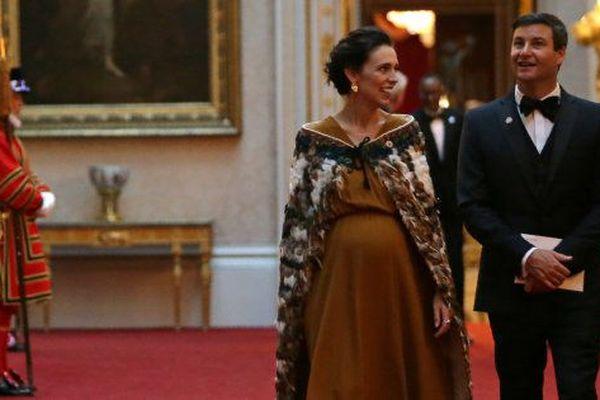 Jacinda Ardern et son mari à Buckingham Palace