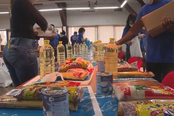 Distribution de vivres à Kourou