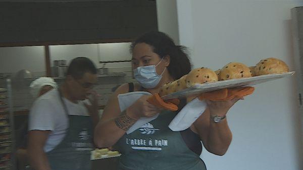 Deux nouvelles boulangeries : la baguette française de tradition s'implante au fenua