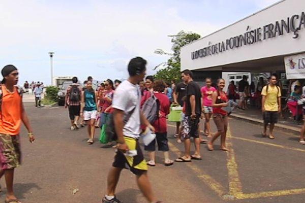 université de polynésie française