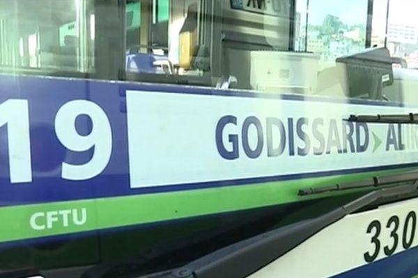 Agression-Bus