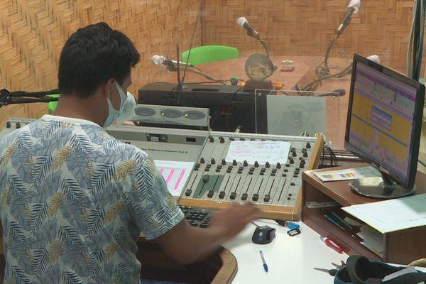 le blues des radios communales