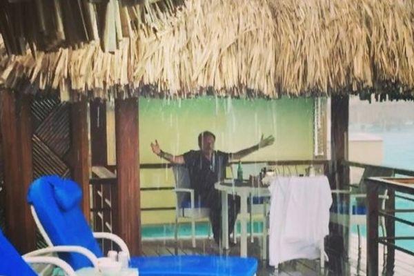 Johnny chante il pleut bergère