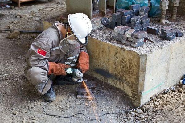 usine nickel travailleurs étrangers