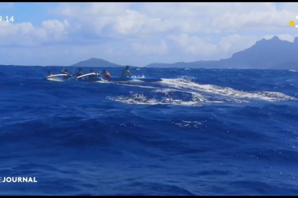 Bora Bora te hoe mamu accompagne Shell va'a à la Molokai hoe