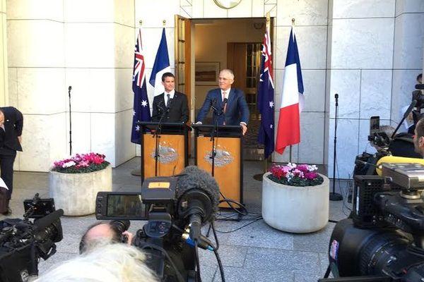 Valls en Australie 020516