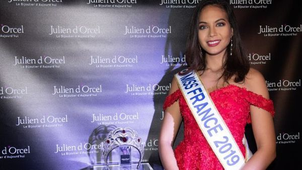 Vaimalama Chaves dévoile la nouvelle couronne miss france 2020