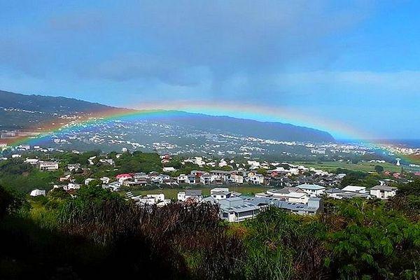Arc en ciel sur Saint-Denis de La Réunion