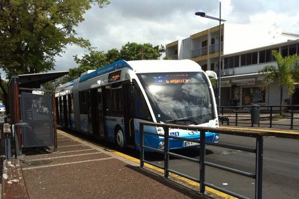 Bus Citalis à l'arrêt