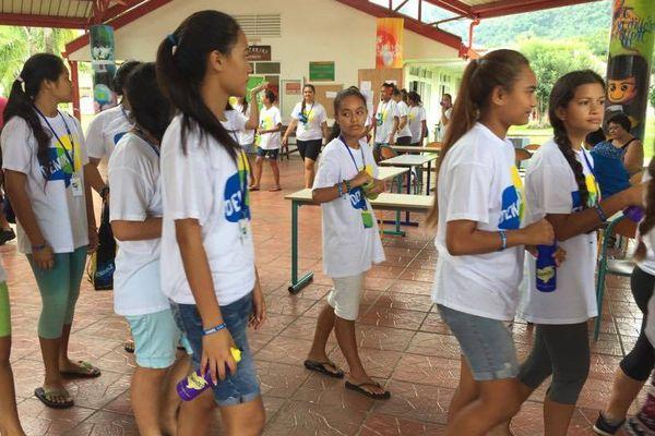 Rassemblement de jeunes à Papara