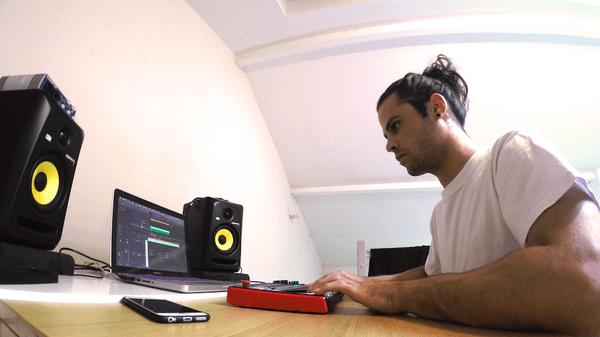 Charles Drouet est producteur de musique depuis 2011
