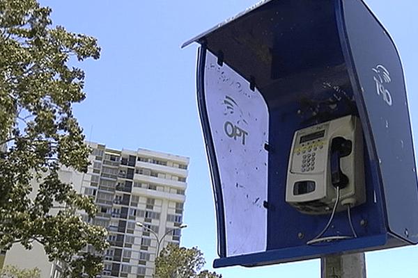 Cabine téléphonique en Nouvelle-Calédonie