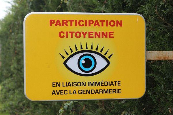 Panneau participation citoyenne surveillance voisinage