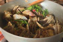 Le matoutou de crabes est le plat traditionnel des fêtes de Pâques en Martinique.